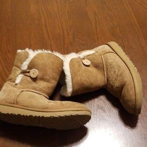 Ugg bailey boot short tan USED Rk:3:519